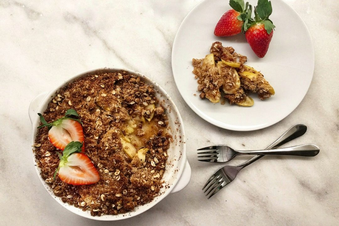 apple and date crumble